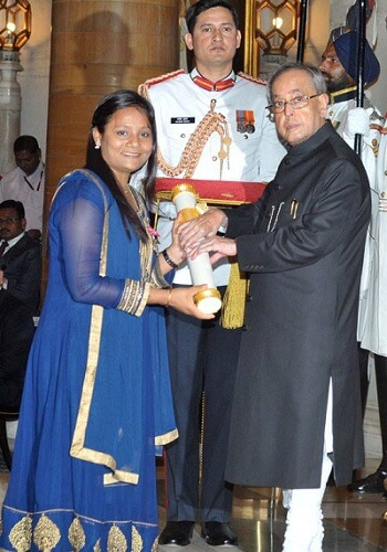 Receiving the Padma Shri from president Source: YourStory