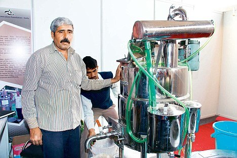 Dharamveer Singh Kamboj made a multi-purpose fruit and herb processing machine Img Source: Dailymail